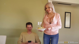 Horny mommy doesn't want her stepson to pull out