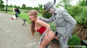 Thick slut fucking a living statue in the park