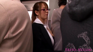 Groping a secretary in the bus and she gives a blowjob